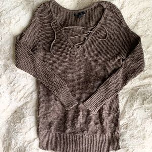 AMERICAN EAGLE OUTFITTERS Lace Up Sweater M